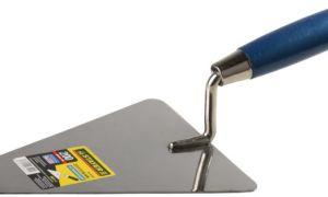 Основной инструмент при оштукатуривании – лопатка штукатура