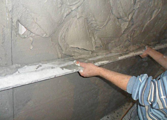 Каким раствором лучше штукатурить стены внутри дома